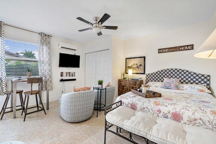 1401 Mystic Court, 1-Bedroom Guesthouse, Wellington, FL 33414