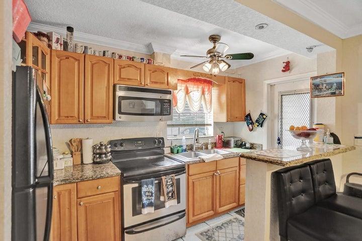 1021 NE 24th Avenue, 1, Pompano Beach, FL 33062