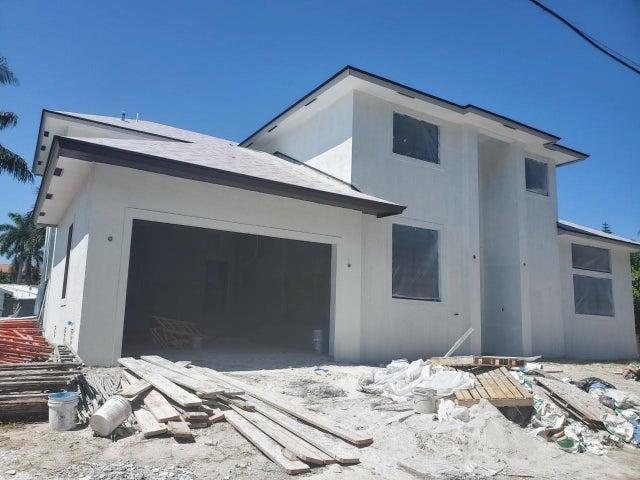 815 Palmer Road, Delray Beach, FL 33483