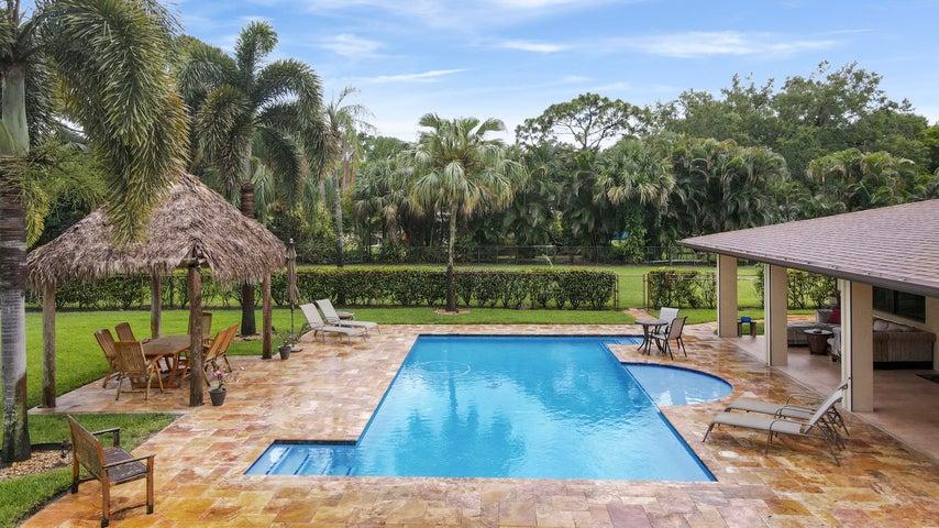 8486 Nashua Drive, Palm Beach Gardens, FL 33418