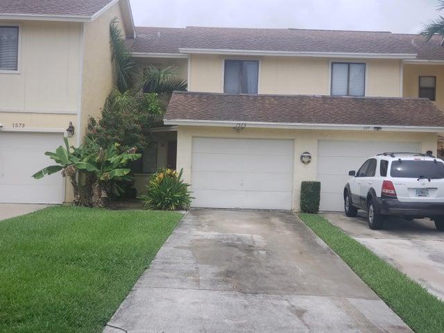 1575 Woodbridge Lakes Circle, West Palm Beach, FL 33406