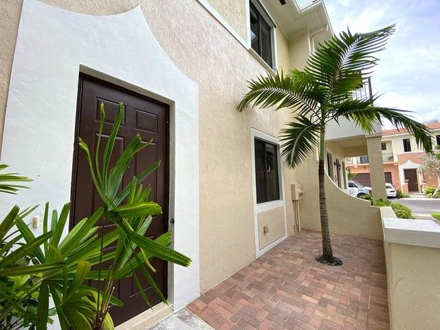 2613 Venetian Drive, Boynton Beach, FL 33426
