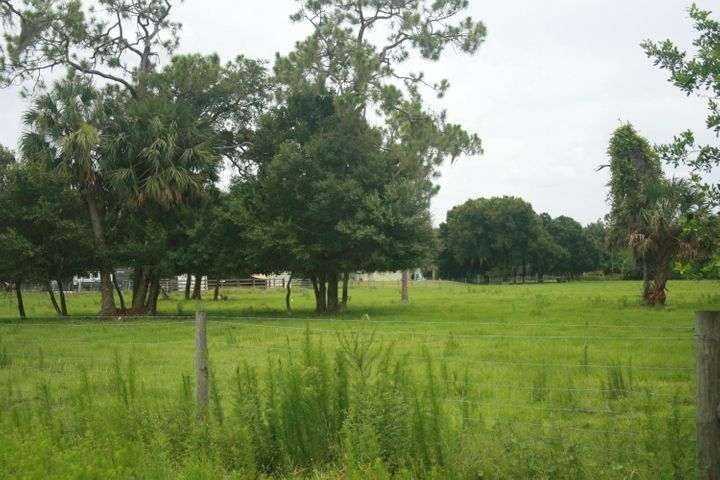 8202 SW Tommy Clements Lane, Indiantown, FL 34956