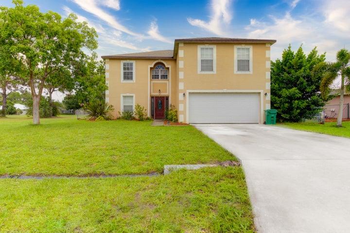 6181 NW Duke Circle, Port Saint Lucie, FL 34983