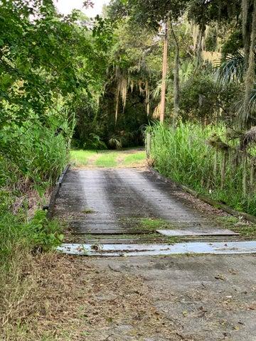 2600 Home Place Lane, Fort Pierce, FL 34981