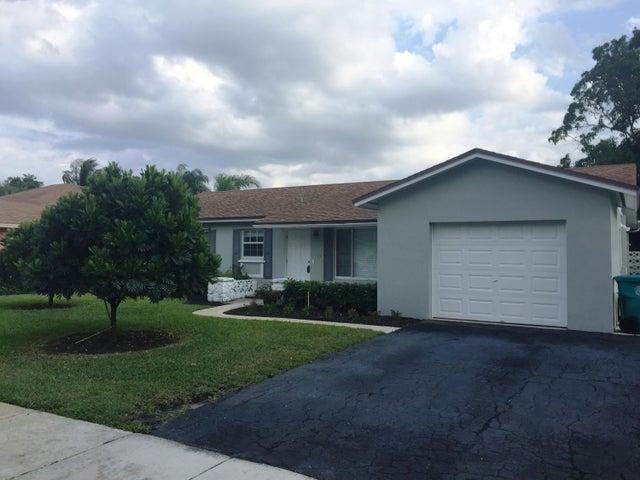 134 SE 26th Avenue, Boynton Beach, FL 33435
