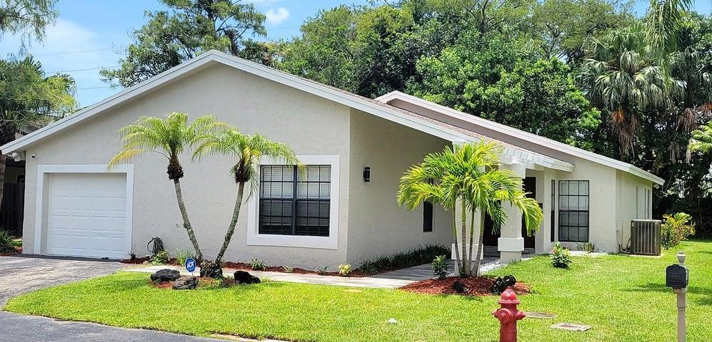 8943 Old Pine Road, 16, Boca Raton, FL 33433