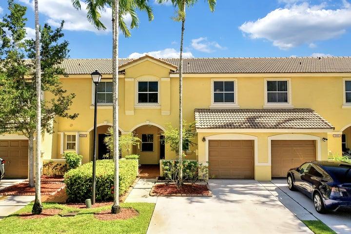 16839 SW 1st Manor, Pembroke Pines, FL 33027