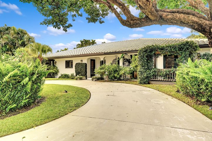 637 Castilla Lane, Boynton Beach, FL 33435