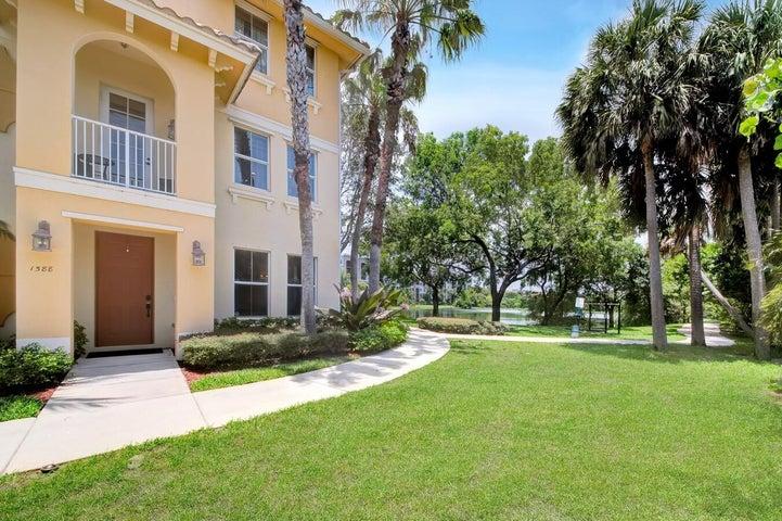 1588 Via Alferi, Boynton Beach, FL 33426