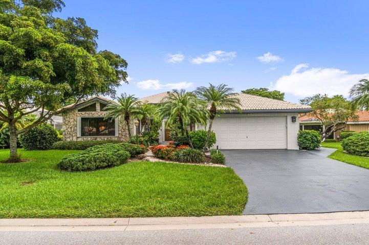 22 Estate Drive, Boynton Beach, FL 33436