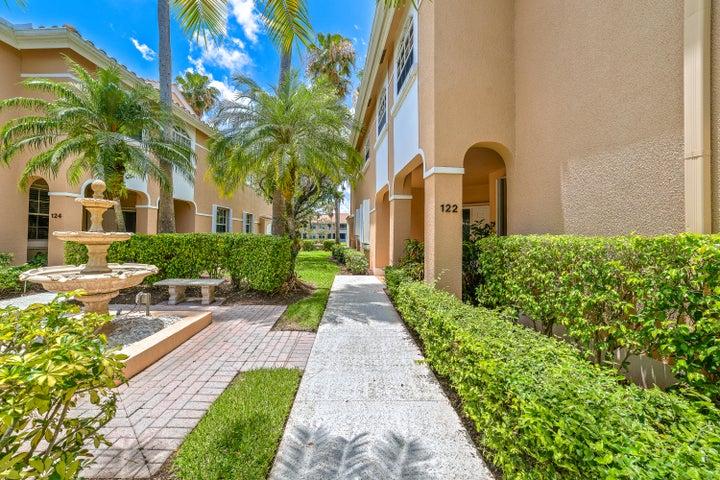 122 Legendary Circle, Palm Beach Gardens, FL 33418