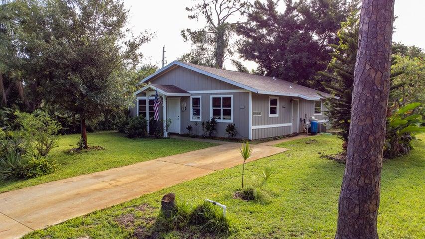 3019 SW Hollis Avenue, Palm City, FL 34990