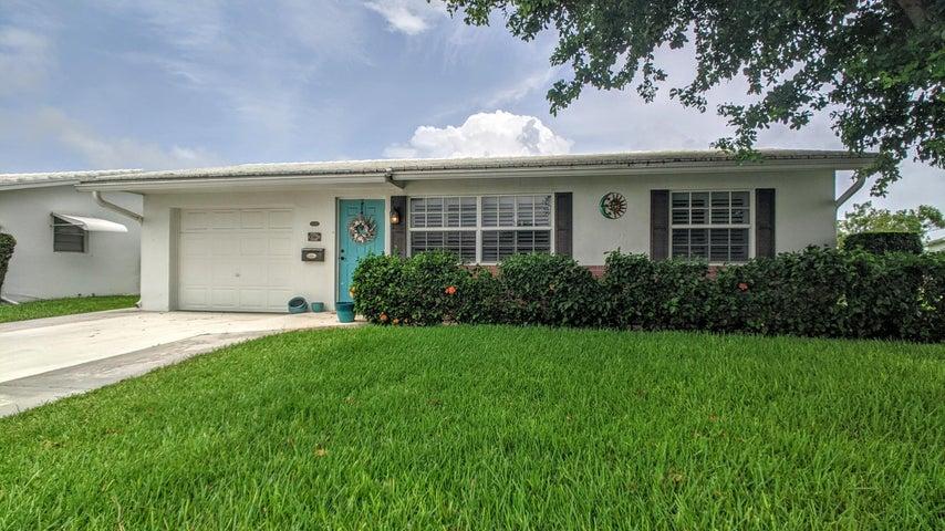 614 SW Golf Drive, Boynton Beach, FL 33426