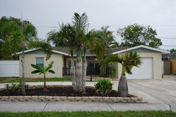 1589 NE 23rd Terrace, Jensen Beach, FL 34957