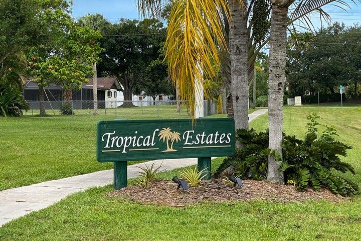 8627 SW 18th Avenue, Stuart, FL 34997