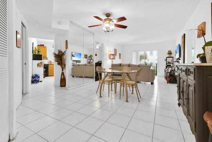 7125 Bonita Drive, 206, Miami Beach, FL 33141