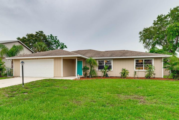 826 NE Vanda Terrado, Jensen Beach, FL 34957