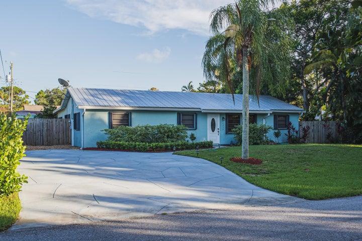 6432 SE Clairmont Place, Hobe Sound, FL 33455