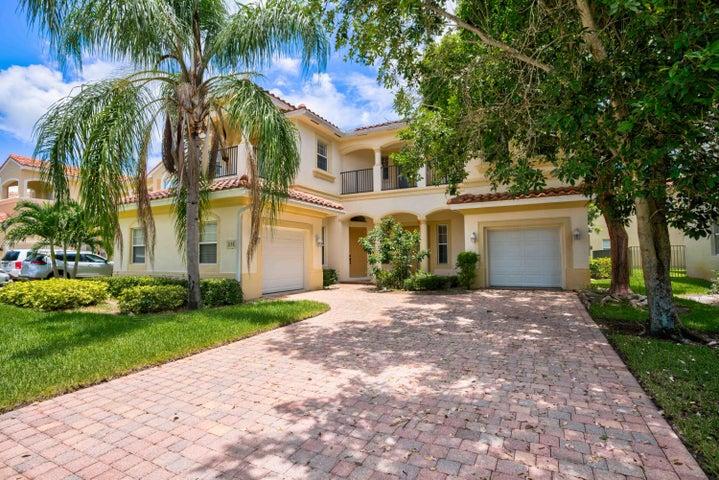638 Triana Street, West Palm Beach, FL 33413