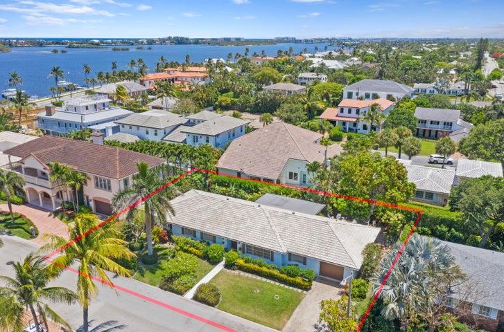 130 Elwa Place, West Palm Beach, FL 33405