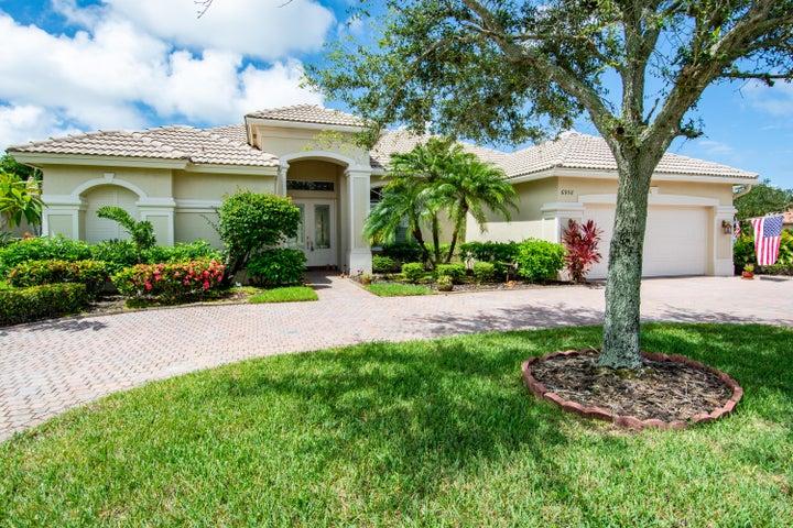 6958 SE Sleepy Hollow Lane, Stuart, FL 34997