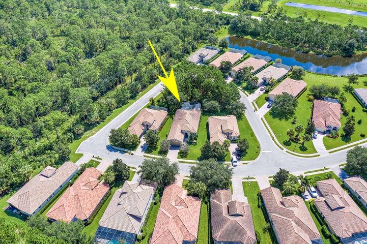 7012 Maidstone Drive, Port Saint Lucie, FL 34986