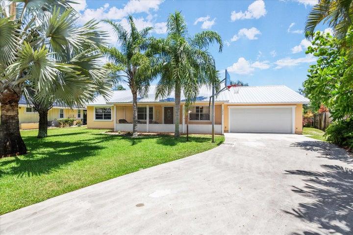 1753 NE Lima Calle, Jensen Beach, FL 34957