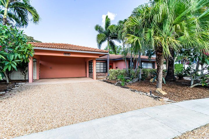 698 SW 12th Terrace, Boca Raton, FL 33486