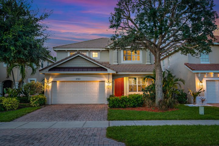 5761 SE Crooked Oak Avenue, Hobe Sound, FL 33455