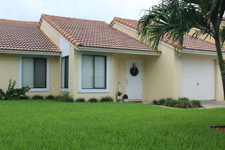6197 Country Fair Circle, Boynton Beach, FL 33437