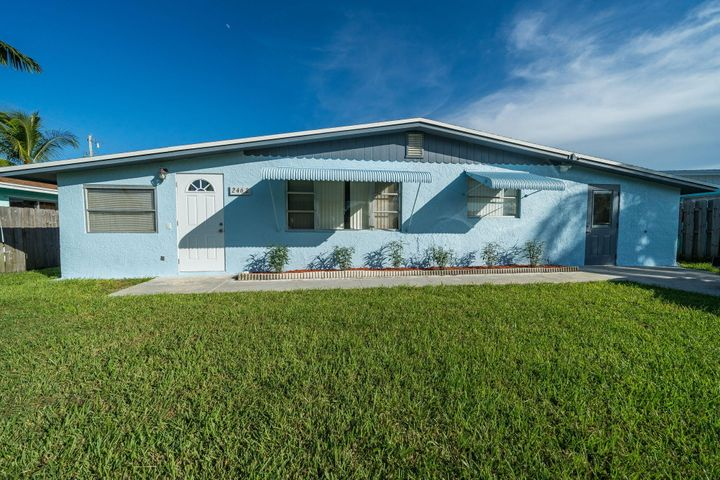 2462 SE Jackson Street, Stuart, FL 34997