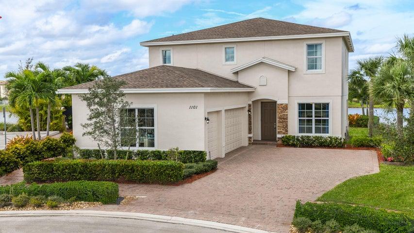 1101 NW Vivaldi Court, Port Saint Lucie, FL 34986