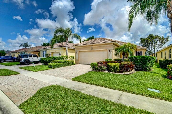 7029 Del Corso Lane, Delray Beach, FL 33446