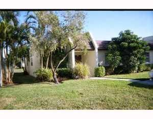 119 Lake Susan Drive, West Palm Beach, FL 33411