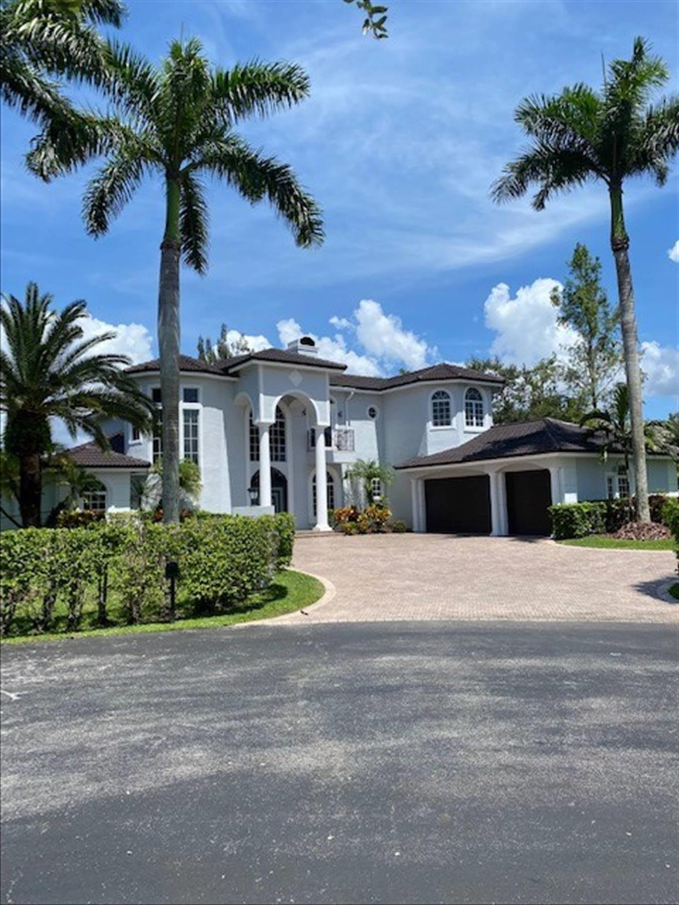 1021 NW 115 Avenue, Plantation, FL 33323