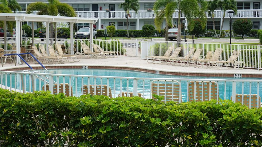 2063 Oakridge F, Deerfield Beach, FL 33442
