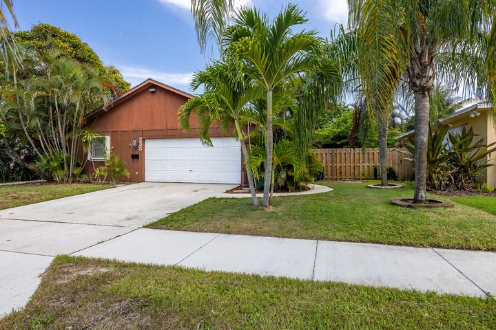 235 Dartmouth Drive, Lake Worth, FL 33460