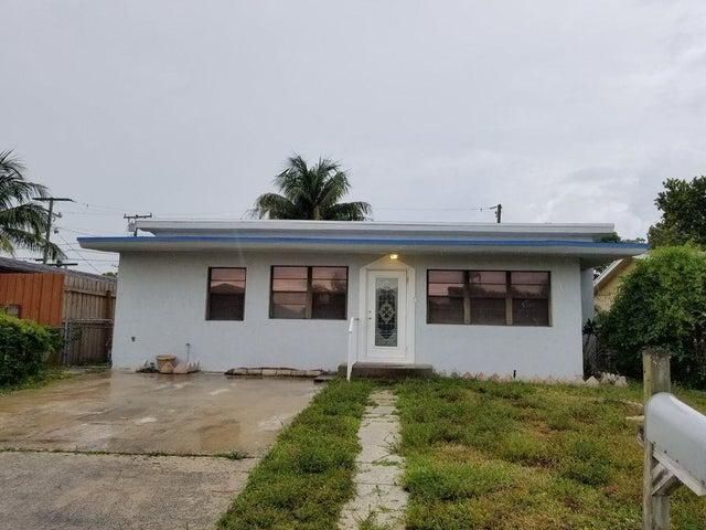 1360 W 7th Street, Riviera Beach, FL 33404