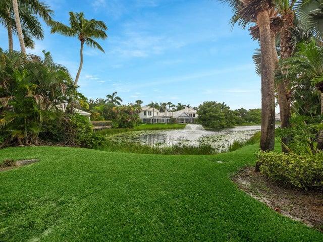 262 Canterbury Drive W, Palm Beach Gardens, FL 33418