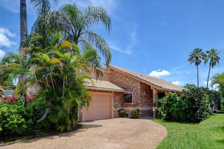 10204 Camelback Lane, Boca Raton, FL 33498