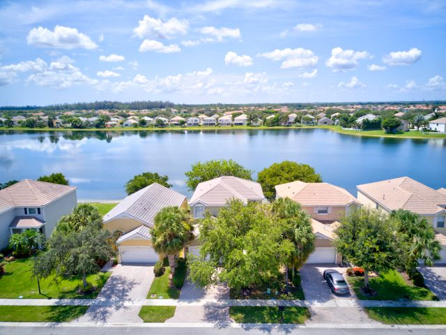 156 Berenger Walk, Royal Palm Beach, FL 33414
