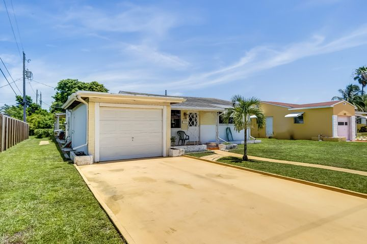 1419 S 24th Court, Hollywood, FL 33020