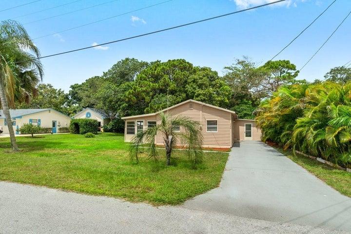 1340 NW Antoch Avenue, Stuart, FL 34994
