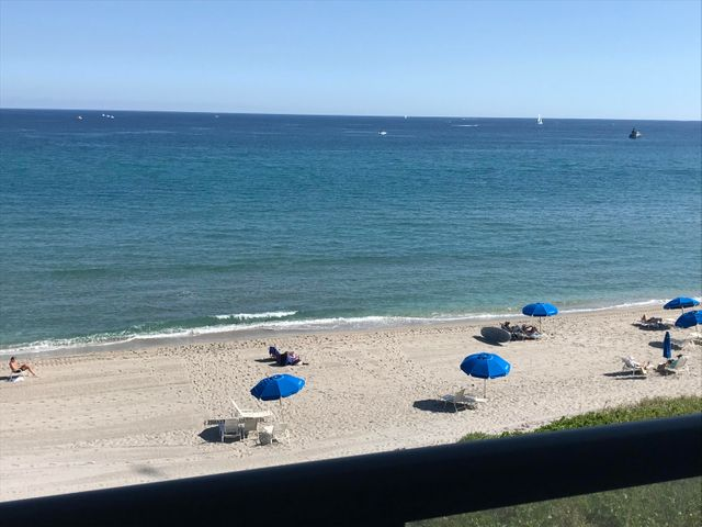 Stunning oceanfront! From 3C Marbella!