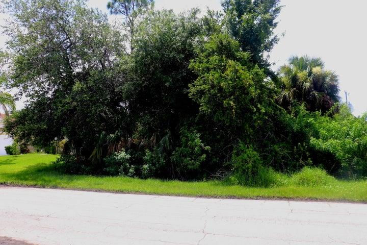 1258 SW Century Avenue, Port Saint Lucie, FL 34953