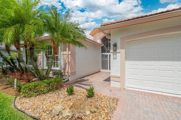 6816 Molakai Circle, Boynton Beach, FL 33437