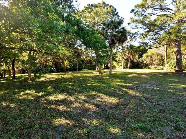 2501 Lazy Hammock Lane, Fort Pierce, FL 34981