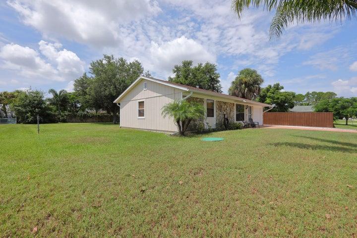 626 NW Archer Avenue, Port Saint Lucie, FL 34983