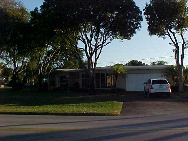 165 Ainsworth Circle, Palm Springs, FL 33461